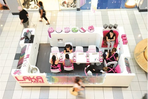 <p><span>Don't let busy professionals pass up the chance for a </span><span>mani-pedi. Laka Manicure Express captures clients with its </span><span>highly visible and convenient kiosks inside mall walkways.</span></p>