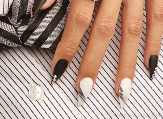 Behind The Scenes Negative Space Floating Nail Tips Technique