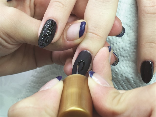 Ruse Bulgaria Based Nail Tech Tanya Angelova Created This Unusual And Elegant Liquid Stone Effect Manicure You Can Find Her Design Ebooks On