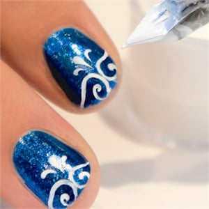 A Calligrapher S Touch How To Use The Be Creative Nail Art Pen Style Nails Magazine