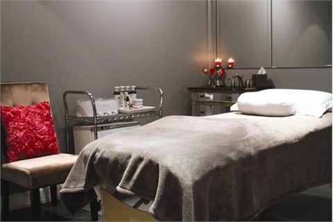 <p>Private rooms in the rear of the salon for waxing, massages, and facials have a serene ambiance.</p>