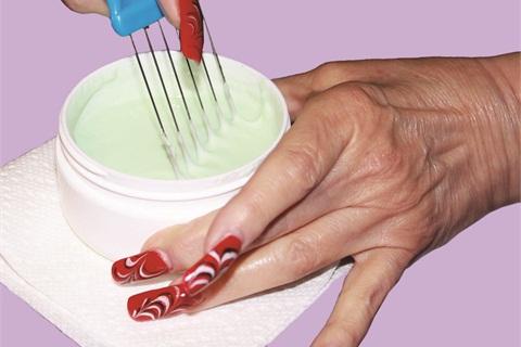 Designer nail art polish application technique nails magazine designer nail art polish application prinsesfo Image collections