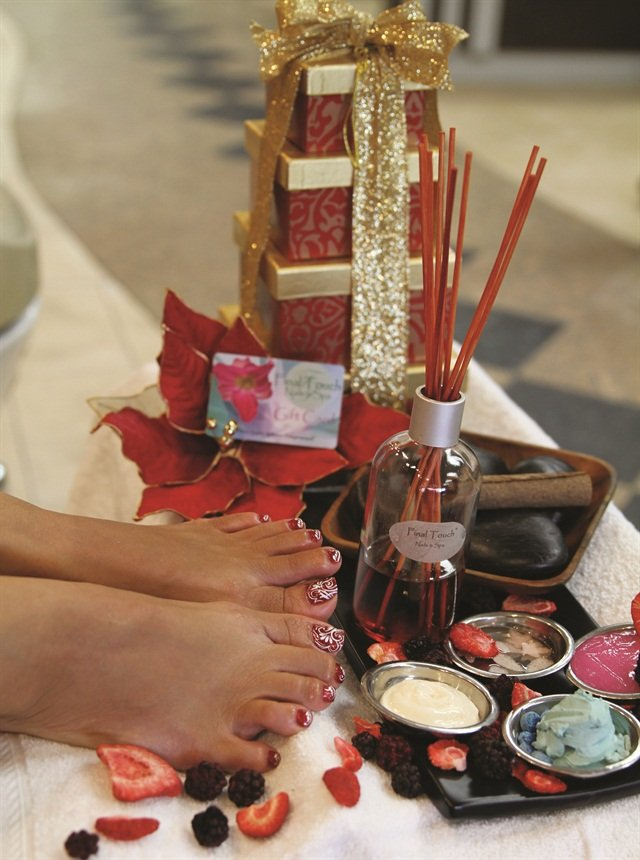 <p>Final Touch Nails & Spa, Tucson, Az.</p>