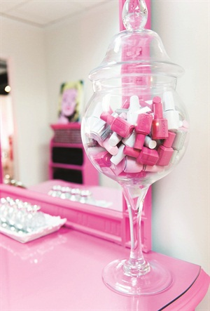 <p>You'll see these colors a lot at Dallas Beauty Lounge. The salon follows the pretty but simple color palette of white, pink, and silver.</p>