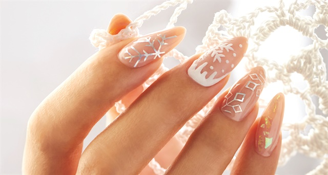 Behind the scenes sugared snowflake nail art technique nails livesay left and marilyn garcia right prinsesfo Images