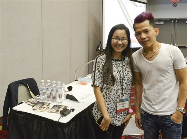 VietSALON managing editor Anh Tran with nail artist Tony Ly in his first nail art class at IBS Las Vegas 2015.