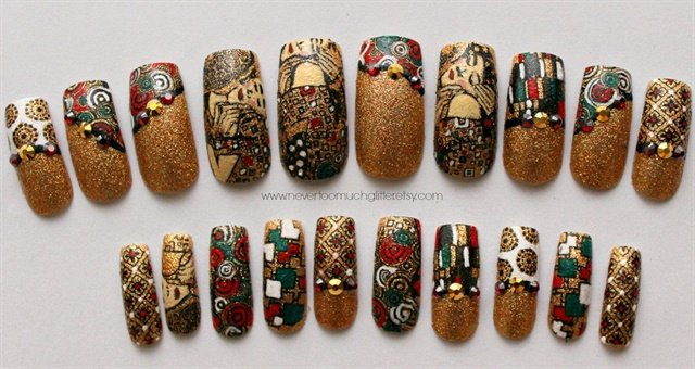 "<p>Via <a href=""https://www.etsy.com/listing/182709980/fine-art-nails-the-kiss-by-gustav-klimt"">nevertoomuchglitter.etsy.com</a></p>"