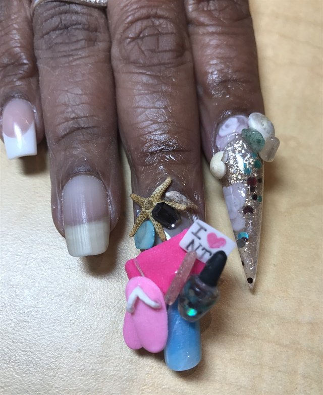 <p>Winner Christina Cronk did these adorable cruise-themed nails to take first place in the competition.</p>