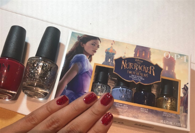 <p>My mani from OPI's Adela Munoz featuring Candied Kingdom and Dreams On a Silver Platter</p>