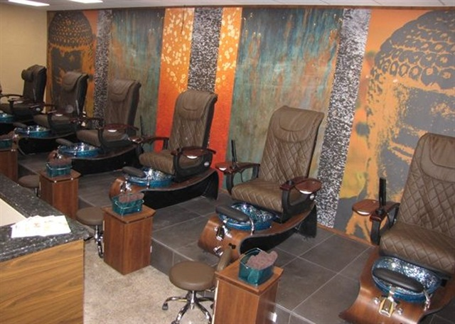 """<p><a href=""""http://www.orchidspabda.com"""">Orchid Nail Spa</a>, Hamilton, Bermuda</p>"""