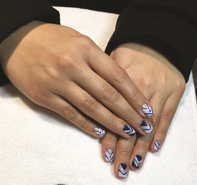 Llongo free-handed chevrons in CND Shellac and used Additives for the sparkle.