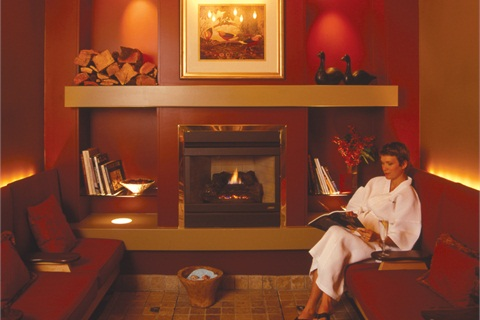 <p>Like this patron of SpaEthos in Vancouver, 66% od spa-goers say they go there to relax and decompress.</p>