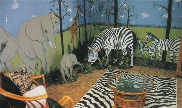 "<p><a href=""http://www.nailsmag.com/article/111543/jungle-fever"">Patti's Nail Safari</a>, West Sand Lake, N. Y.</p>"