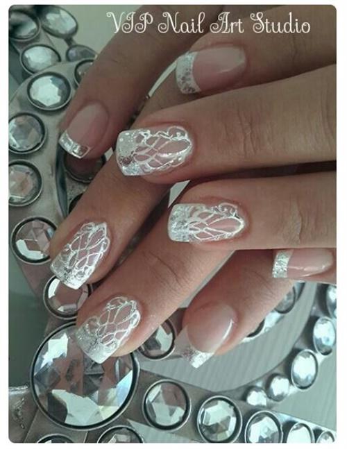 """<p>Via <a href=""""https://www.pinterest.com/palomavazquez28/u%C3%B1as-para-novia-bridess-nails/"""">Pinterest</a></p>"""