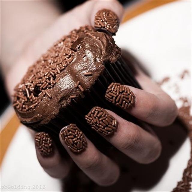 "<p>Via<a href=""http://pixielovesyou.deviantart.com/art/Chocolate-Nails-312406162"">@pixielovesyou</a> </p>"
