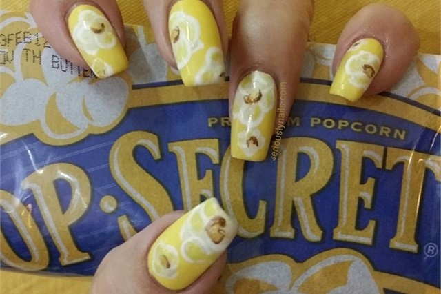 Via Nail Art Gallery.