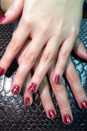 <p>My OPI polish manicure. </p>