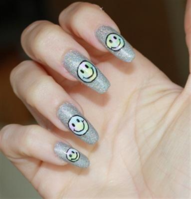 Mani Monday Psychedelic Smiley Nail Art Nails Magazine