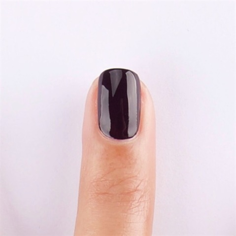 4 Easy Winter Holiday Nail Art Designs From Essie - Style - NAILS ...