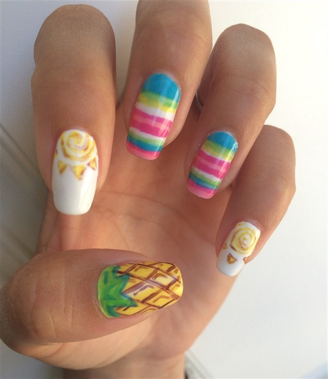 "<p>Via <a href=""http://nailartgallery.nailsmag.com/jessieo2o/photo/367559/summer"">Nail Art Gallery</a></p>"