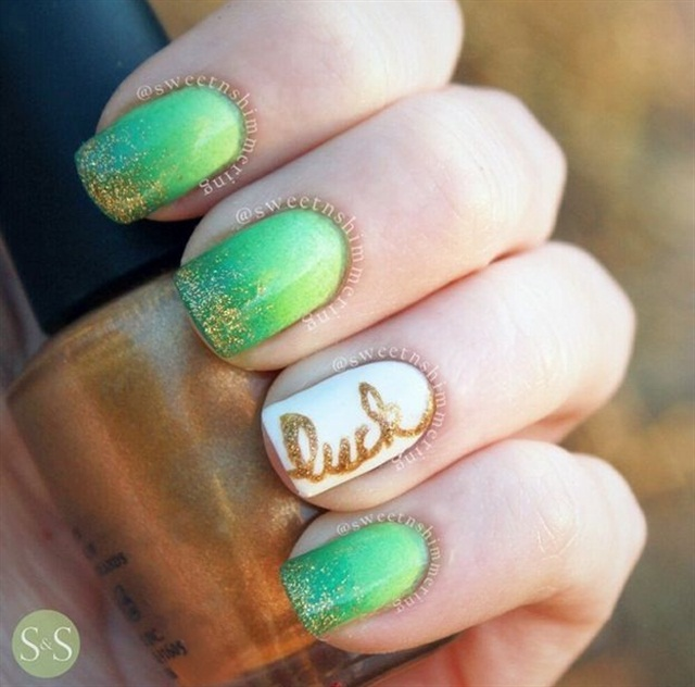 "<p>Via <a href=""http://www.nailpolis.com/artworks/sweetnshimmering-simple-st-patrick-s-day-design-5626"">@sweetnshimmering</a></p>"