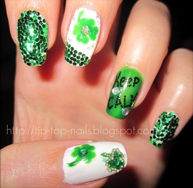 "<p>Via <a href=""http://tip-top-nails.blogspot.com/2012/03/my-stpatricks-day-nails.html"">@lenabently</a></p>"