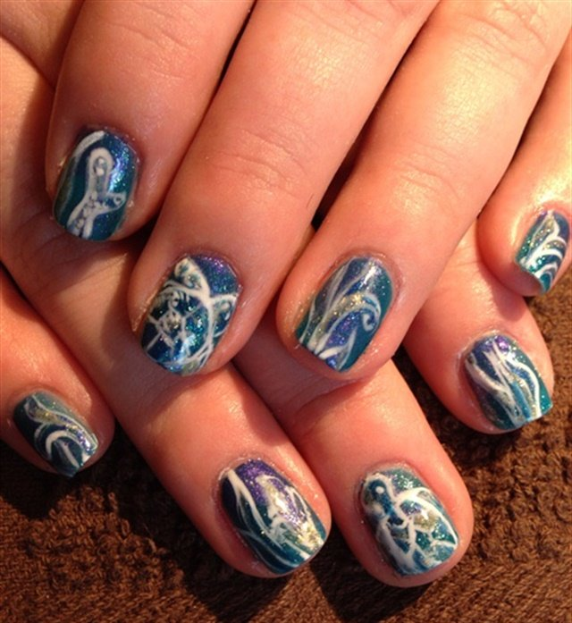 "<p>Via <a href=""http://nailartgallery.nailsmag.com/veeahsworld/photo/370873/underwater-turtle-play"">Nail Art Gallery</a></p>"