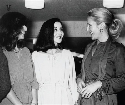 <p>As a young girl from Romania, Jessica Vartoughian (center) entered beauty school in the U.S. before she even spoke<br />English. While there, she realized her love for natural nail care.</p>