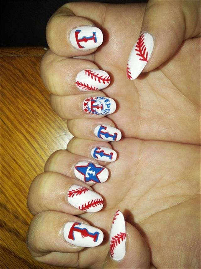 "<p>Via <a href=""http://nailartgallery.nailsmag.com/vchristie/photo/346252/baseball-texas-rangers/tag/28615"">Nail Art Gallery</a></p>"