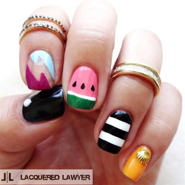 "<p>Via <a href=""http://nailartgallery.nailsmag.com/lacqueredlawyer/photo/410305/simple-summer"">Nail Art Gallery</a></p>"