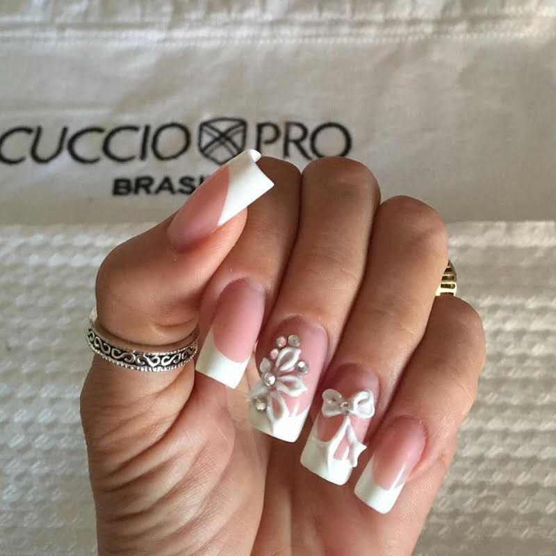 <p>Nail art from Brazil by Michele Carine</p>