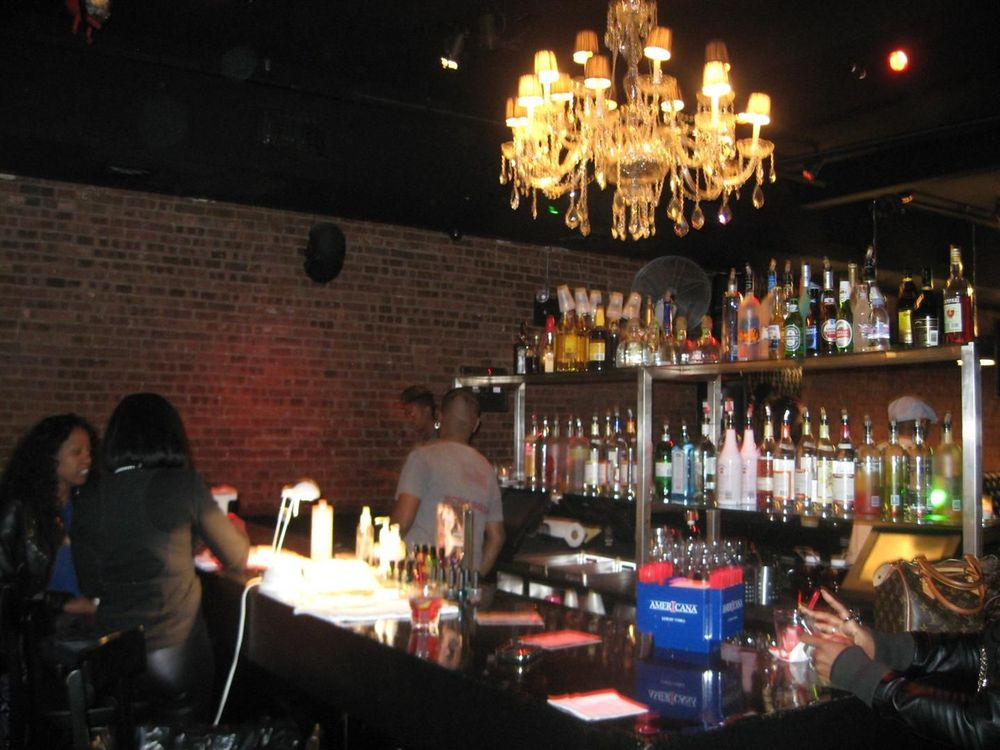 <p>Extreme eyewear and accessories designers CoCo &amp; Breezy offered <strong>Minx</strong> manicures to their guests at their fashion presentation. A Minx bar was set up at the bar and the Polish Bar of Brooklyn applied manicures to the packed crowd while CoCo &amp; Breezy, the twin designers, selected Golden Lightning Cheetah Minx for themselves.&nbsp;(Photography by Starr Blackshere)</p>