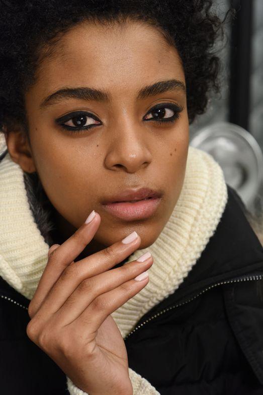 <p>Morgan Taylor for Monique Lhuillier</p>