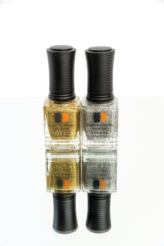 <p>Le Chat&rsquo;s Dare to Wear long-lasting polish line is available in elegant and classic shades. For this holiday season, the brand is introducing Sparkle and Shine, two festive and glistening lacquers.</p>