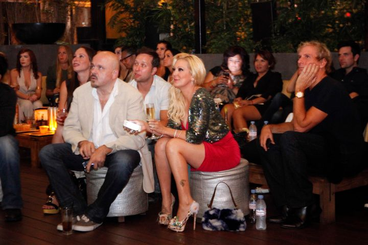 <p>Katie Cazorla watches the first two episodes of her TV Guide Network series, Nail Files, with fianc&eacute; and Grammy-award-winning producer Walter Afanasieff.</p>