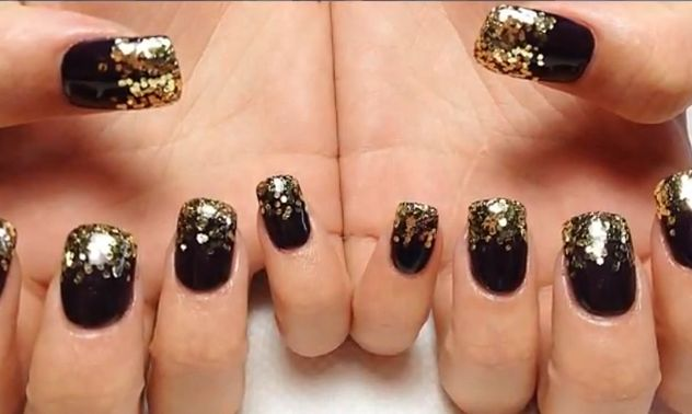 Gold Glitter Nail Art How-To