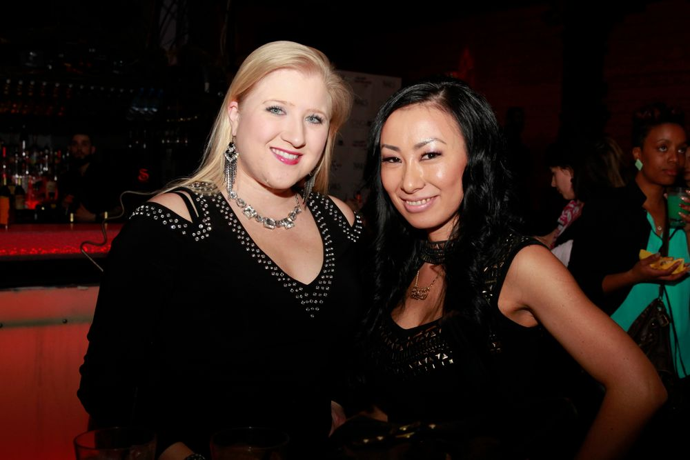 <p>NTNA 2014 winner Ryoko Garcia (right) and her friend Danielle Penn</p>