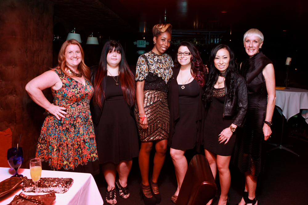 <p>The finalists pose with NAILS' Hannah Lee, 2014 NTNA winner Ryoko Garcia, and CND's Jan Arnold</p>