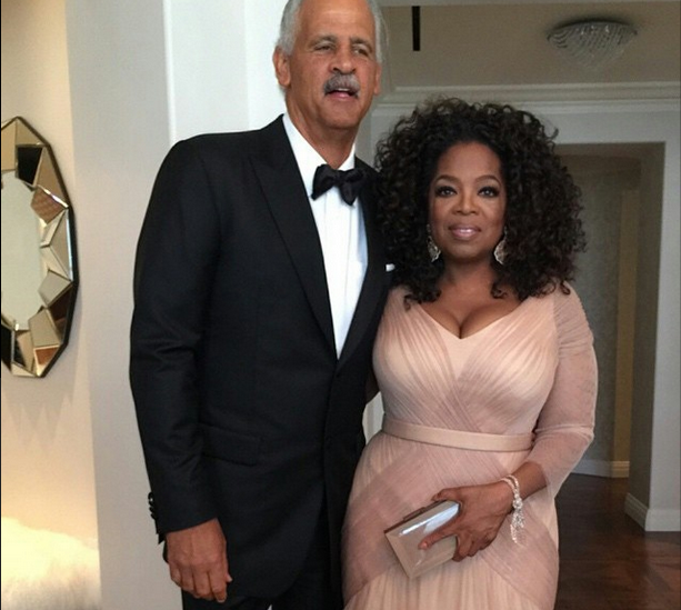 """<p>Oprah's nail tech, Gloria """"Footnanny"""" Williams, used Chanel polish topped with Azature for a sparkling finish over CND Retention for her Oscar-ready look. Image via @oprah</p>"""