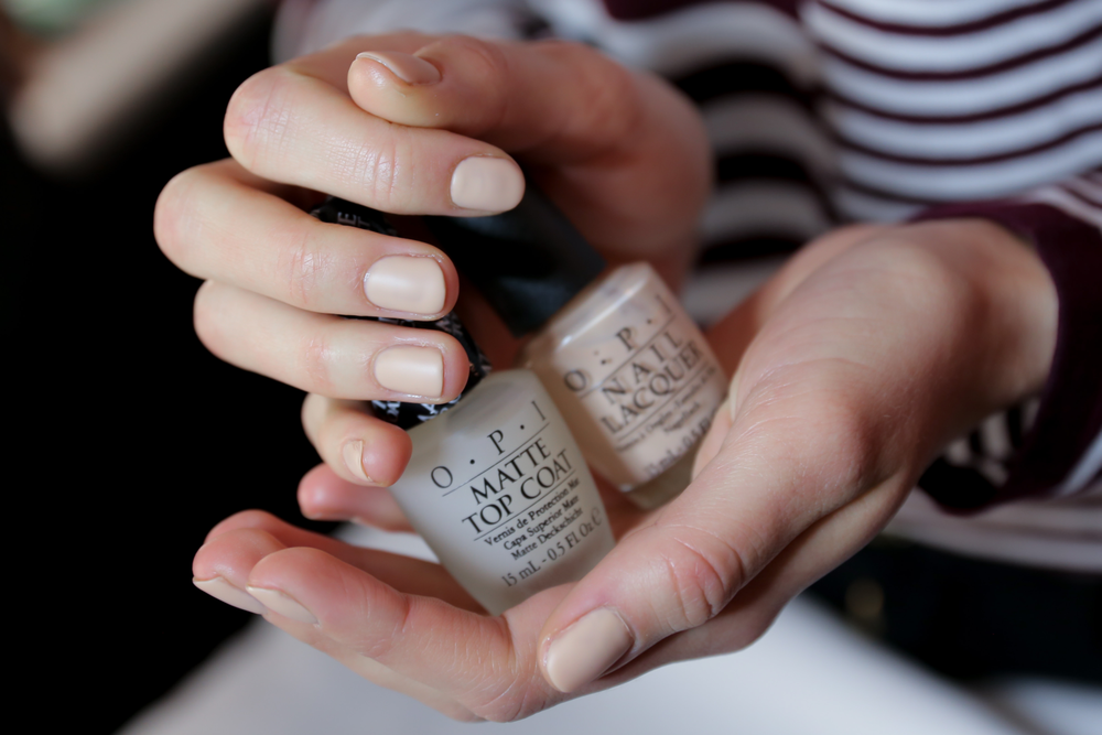 <p>OPI Samoan Sand and Matte Top Coat were used to get the look at BCBGMAXAZRIA.</p>
