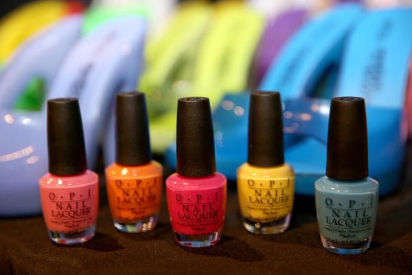 <p>OPI No Room for the Blues, That's Hot! Pink, Kiss Me I'm Brazilian, I Just Can't Cope-acabana, In My Back Pocket, and Alpine Snow were used at Jeremy Scott.</p>