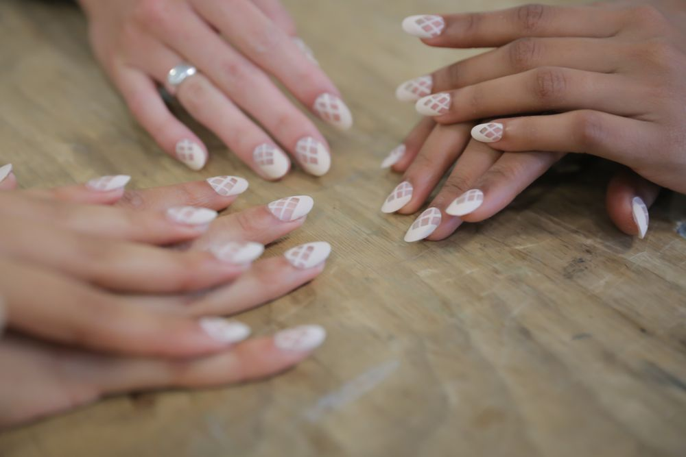<p>To get the look at Azede Jean-Pierre, Miss Pop used My Vampire is Buff, a creamy hue that&nbsp;complemented the designer's collection, which was inspired by nature.&nbsp;Photo courtesy of OPI.&nbsp;</p>