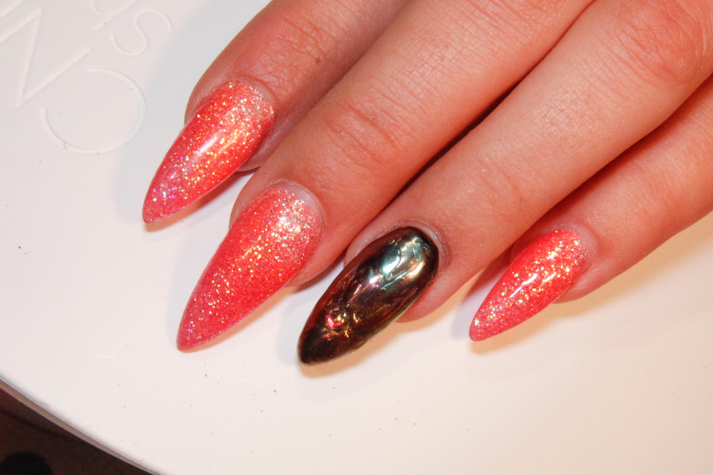 <p>Nails by Yinnie Ong based in Malaysia, using Aora products.</p>