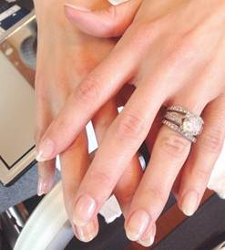<p>Jenna Dewan Tatum wore Red Carpet Manicure gel-polish in a custom blend of Camera Shy and Make Up Time for the Oscars. Nails were done by manicurist Kait Mosh. Image via Red Carpet Manicure</p>
