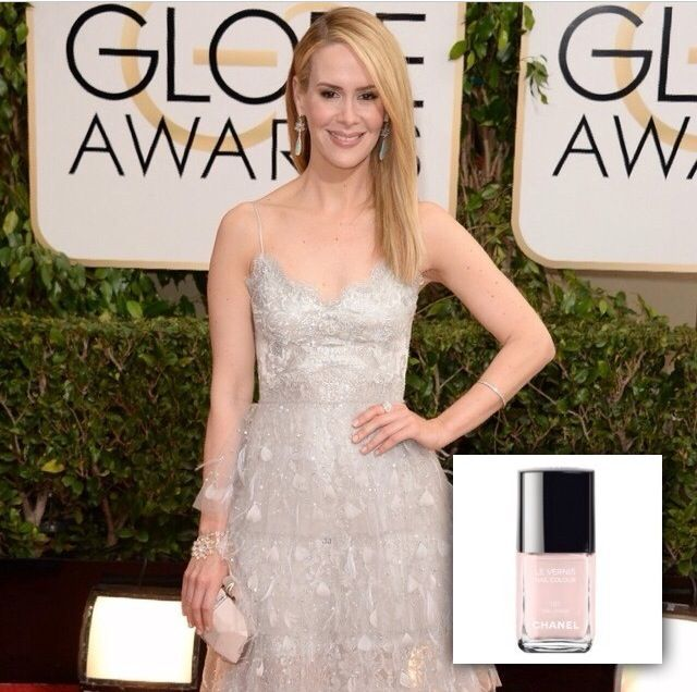 <p>Karen Gutierrez polished Sarah Paulson's nails in Chanel Ballerina. Image via @karengnails.</p>