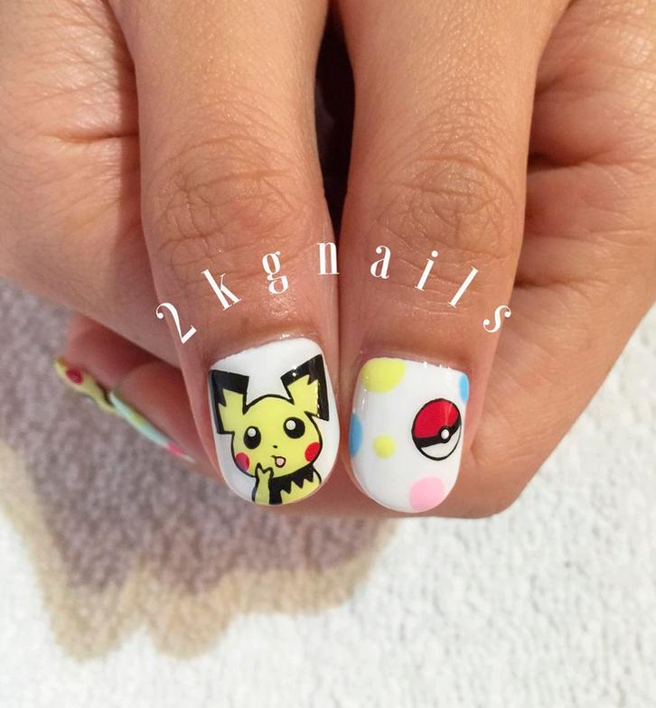 "<p>Pichu nails with pok&eacute;ball by <a href=""https://www.instagram.com/2kgnails"">@2kgnails</a></p>"