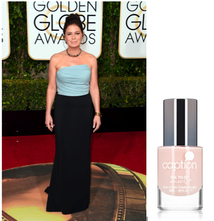 <p>Golden Globe winner Maura Tierney walked down the red carpet in Caption Let Life Unfold.&nbsp;</p>