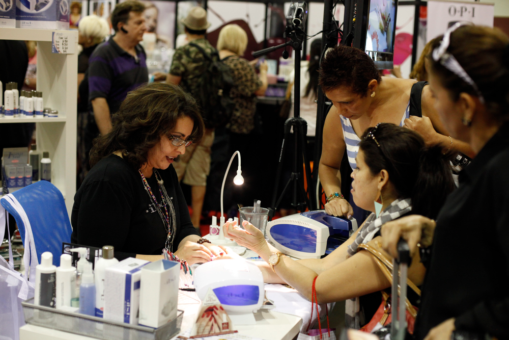 <p>IBD&rsquo;s Terry Burciaga demonstrated some gel-polish nail art techniques.</p>