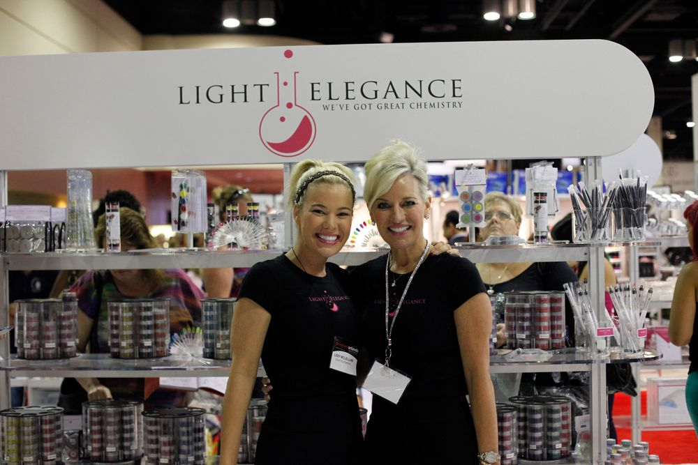 <p>Light Elegance daughter-mother duo Lexy McLellan and Leslie McConnell showcased the company&rsquo;s gel, gel-polish, and new acrylic lines.</p>
