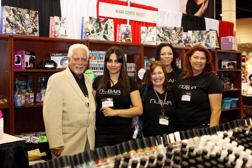 <p>Nubar&rsquo;s Greg Mancini, Amy Kehribarian, Michelle Aab, Pamela Brooks, and Annette Duplessis kept show attendees well supplied.</p>